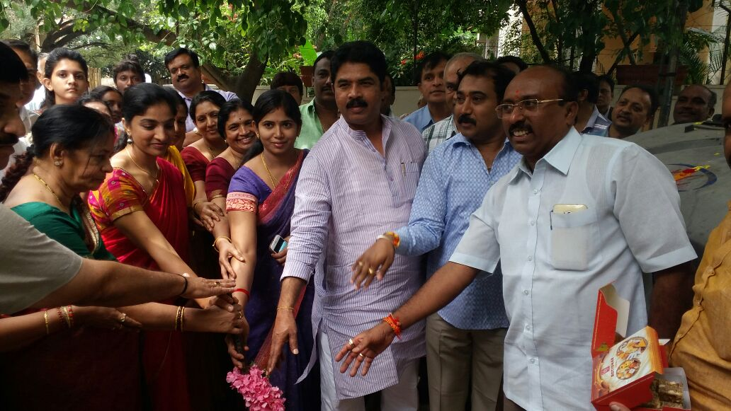 Sr R Ashok inaugurating development works