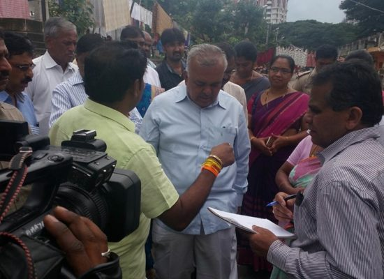 Inspection inside dhobighat from bangalore city incharge minister, mayor & d